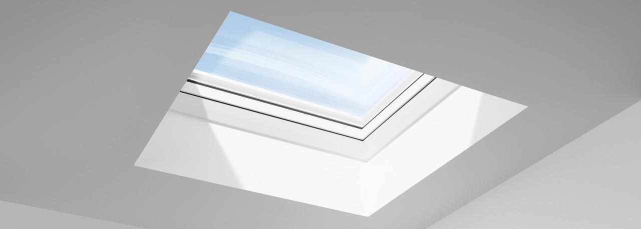 velux flachdach fenster lichtkuppel licht und frische luft unterm flachdach. Black Bedroom Furniture Sets. Home Design Ideas