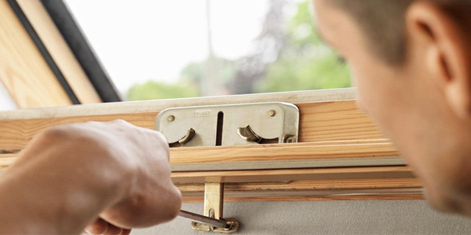 velux dachfensterpflege und bedienung. Black Bedroom Furniture Sets. Home Design Ideas