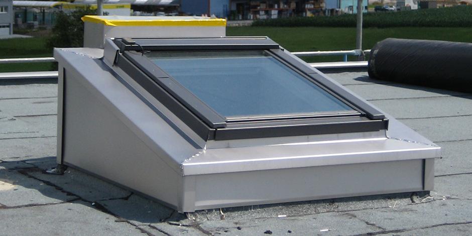 Finestre per tetti piani velux economiche e ad for Finestre per tetto