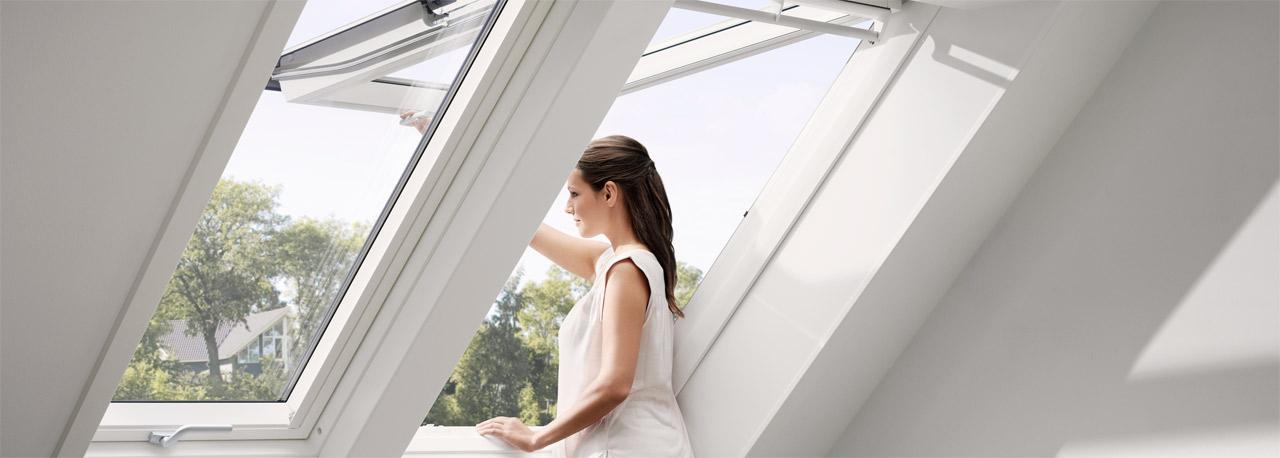 Dachflächenfenster detail roto  Dachfenster für Tageslicht, Luft & Ausblick | VELUX Dachfenster