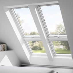 velux dachfenster flachdachfenster tageslichtspots rolll den rollos. Black Bedroom Furniture Sets. Home Design Ideas
