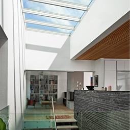 Flachdachfenster lichtkuppel von velux licht und frische luft unterm flachdach - Dachfenster skylight ...