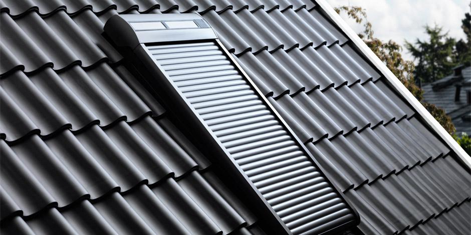velux dachfenster rolladen ihr rundum schutz f rs ganze jahr. Black Bedroom Furniture Sets. Home Design Ideas
