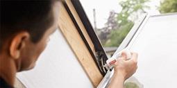 Velux gdl cabrio un petit balcon de toit en un tour de main for Velux shop finestre