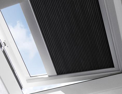 Finestre per tetti piani velux luce e ventilazione in for Velux finestre tetti piani