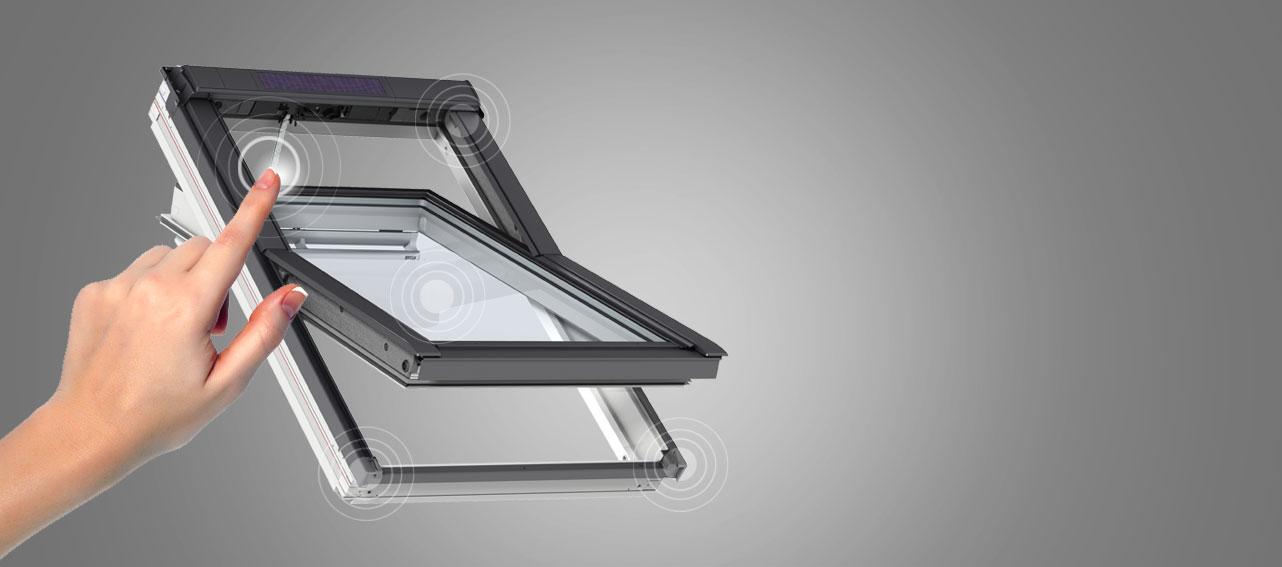 ventanas de tejado velux giratorias facilidad de uso y apertura. Black Bedroom Furniture Sets. Home Design Ideas