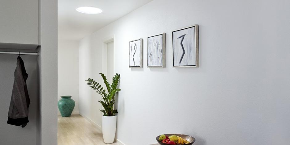 Id es pour corridors escaliers avec fen tres de toit velux - Idee corridor ...