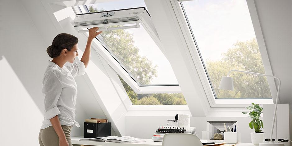 Finestre per tetti velux antieffrazione for Finestre velux istruzioni telecomando