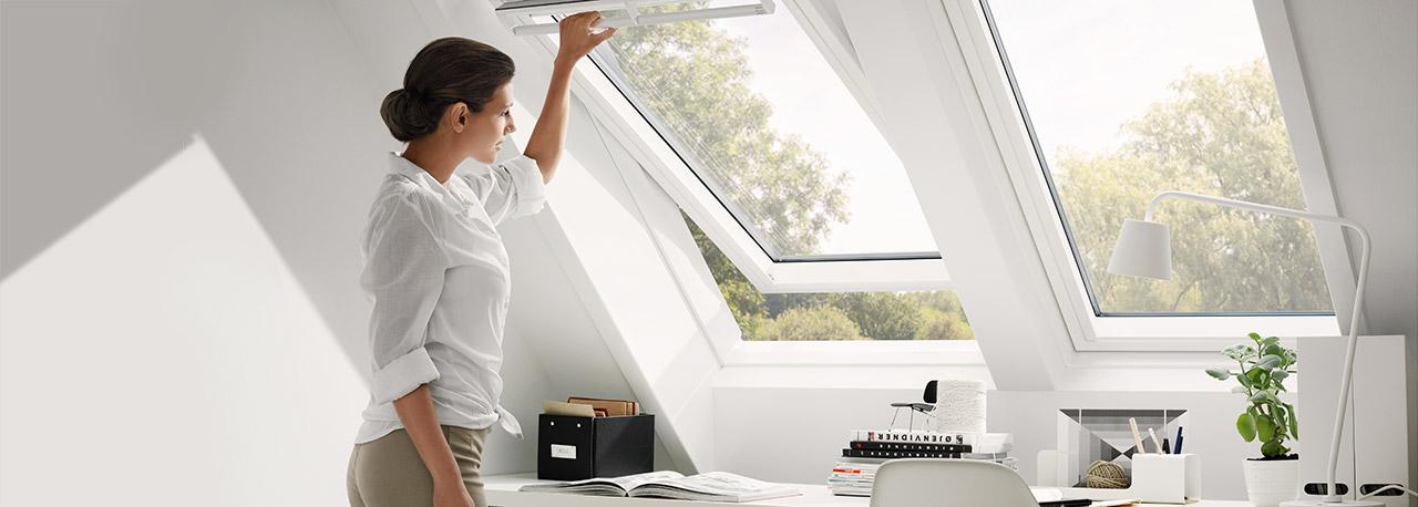 dachfenster f r tageslicht luft ausblick velux dachfenster. Black Bedroom Furniture Sets. Home Design Ideas