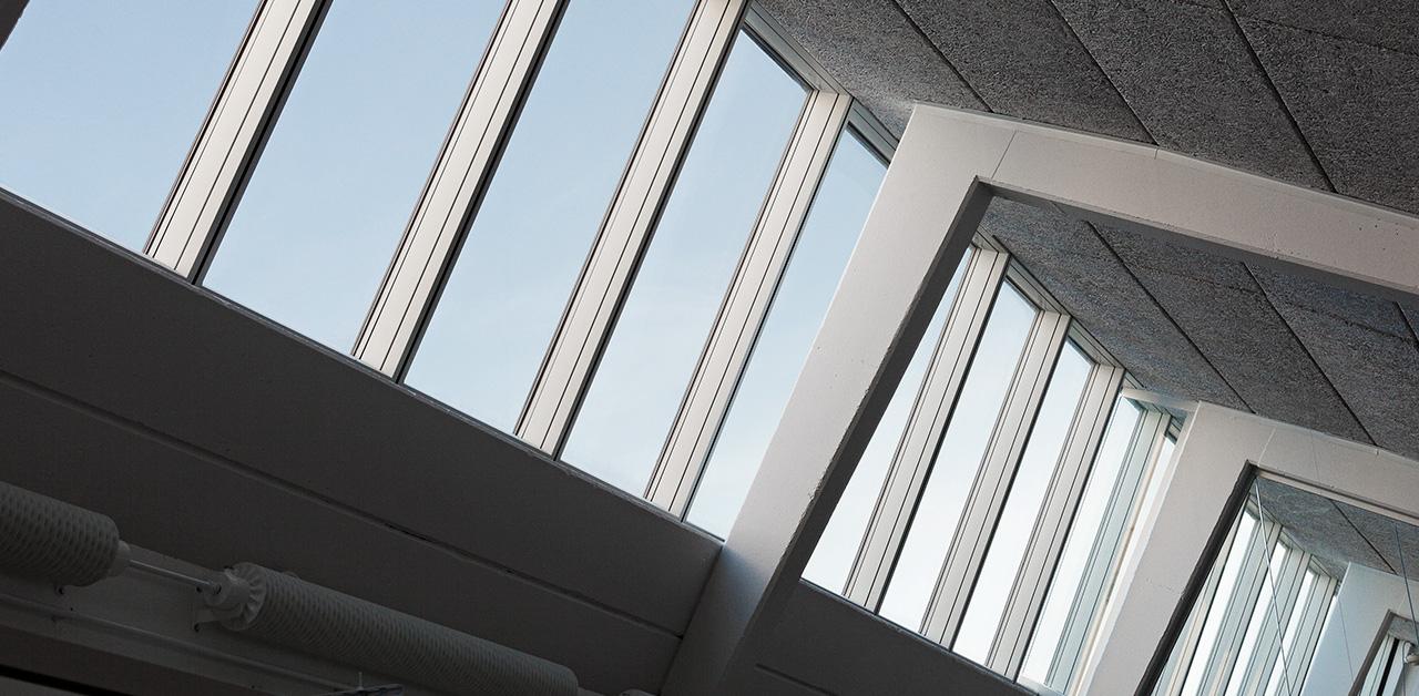 S gb cksgymnasiet in schweden velux modular skylight for Skylight net login