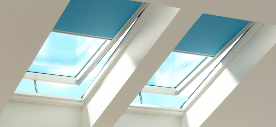 blinds?h=421&la=en CA&w=915&cc=grid_6&key= 62135596800&sw=960 velux skylight accessories remote controls blinds velux klf 100 wiring diagram at gsmx.co