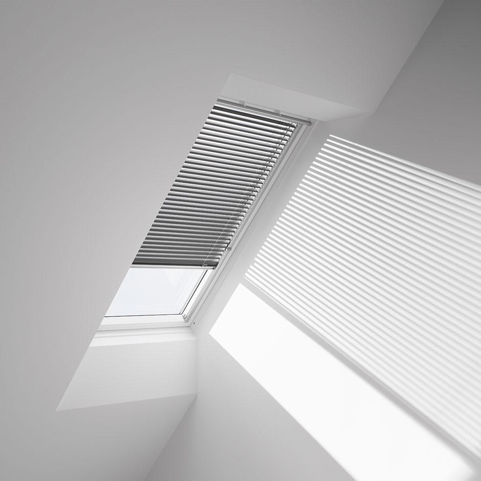 venetian skylight blind