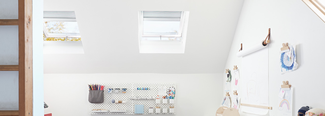 Skylight Opening Like Velux 55x98 Width x Height Window for Access to The roof//Double-Glazing//Top Hung Roof WindowClassic VASISTAS Flashing kit inc.