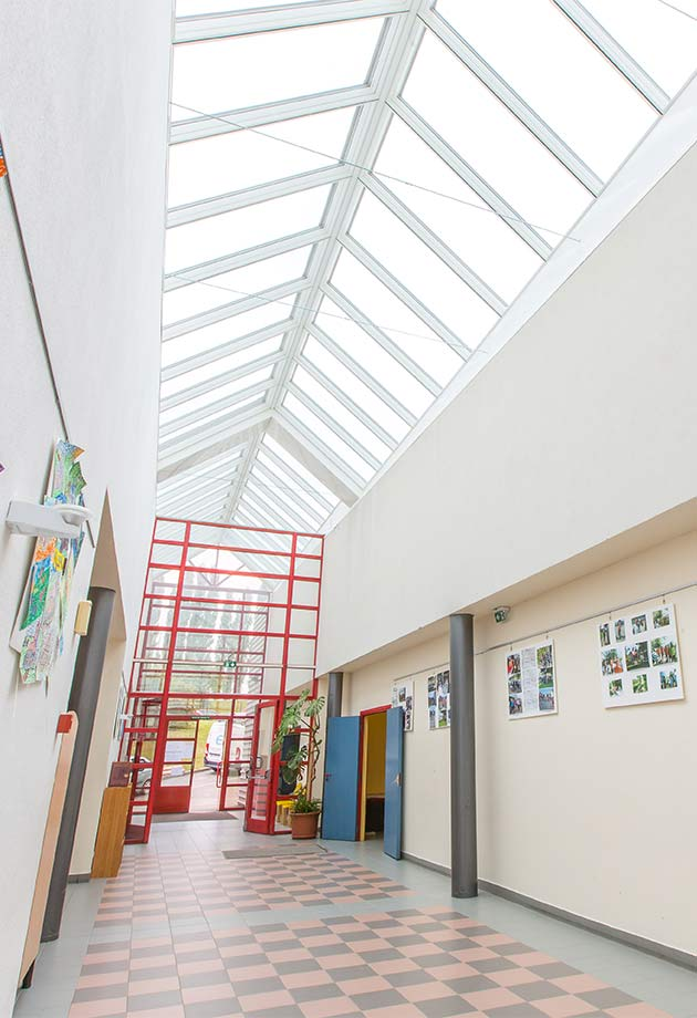 VELUX Ridgelight solution in the corridors of the Tomi Ungerer High School in Dettwiller, France