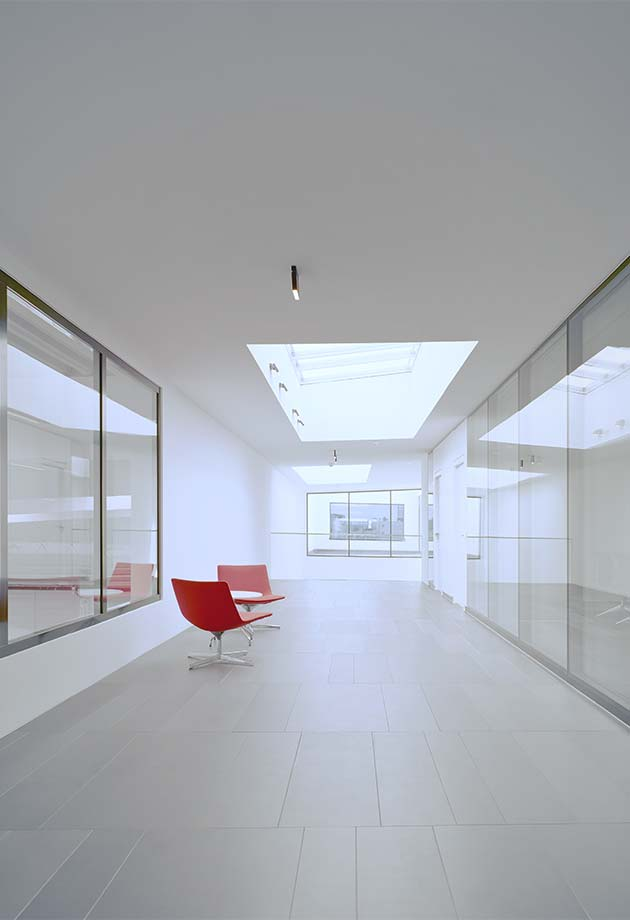 Corridor with rooflight solution VELUX Modular Skylights - Longlight 5-30°, Fellbach, Germany