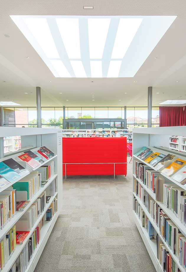 Bringing natural light to the interior using Longlight and Ridgelight skylight solutions, Lezoux Media Library, France