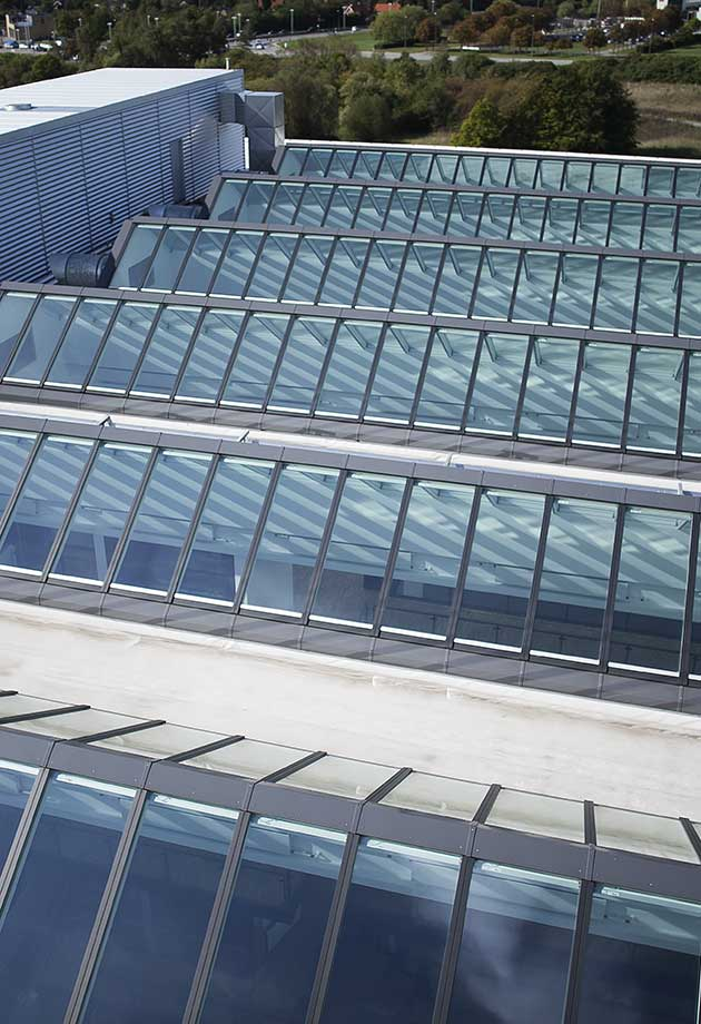 Rooflight solution with Ridgelight 25-40˚ modules, Siemens, Ballerup, Denmark