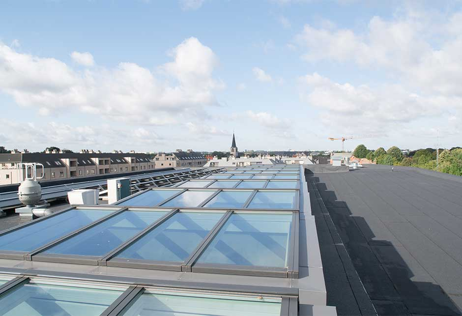 Atrium skylight solution seen from the roof at ZAVO school, Belgium