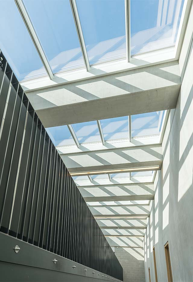 Rooflight solution with 10 Atrium Longlight at 5˚, Zaventem, Belgium