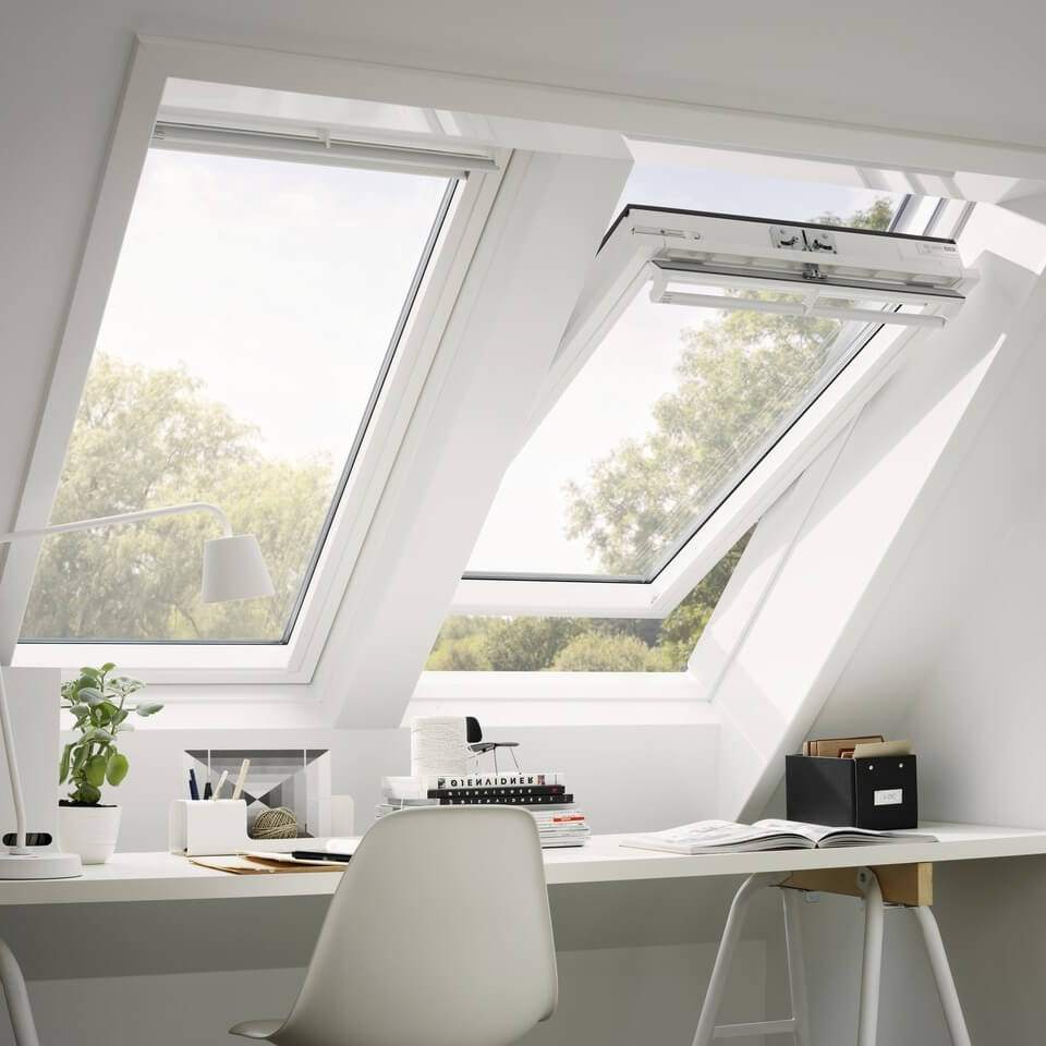 velux dachfenster flachdach fenster tageslicht spots modulare oberlicht systeme rolll den. Black Bedroom Furniture Sets. Home Design Ideas