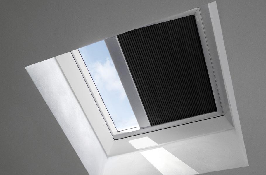 velux accessoires pour fen tre de toit plat. Black Bedroom Furniture Sets. Home Design Ideas