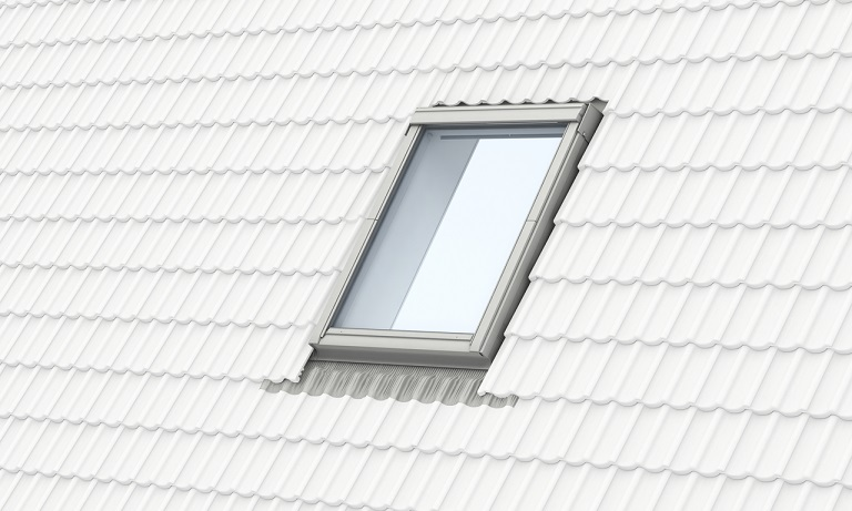 Velux kux 110 fabulous velux awning blinds with velux kux for Velux skylight remote control manual
