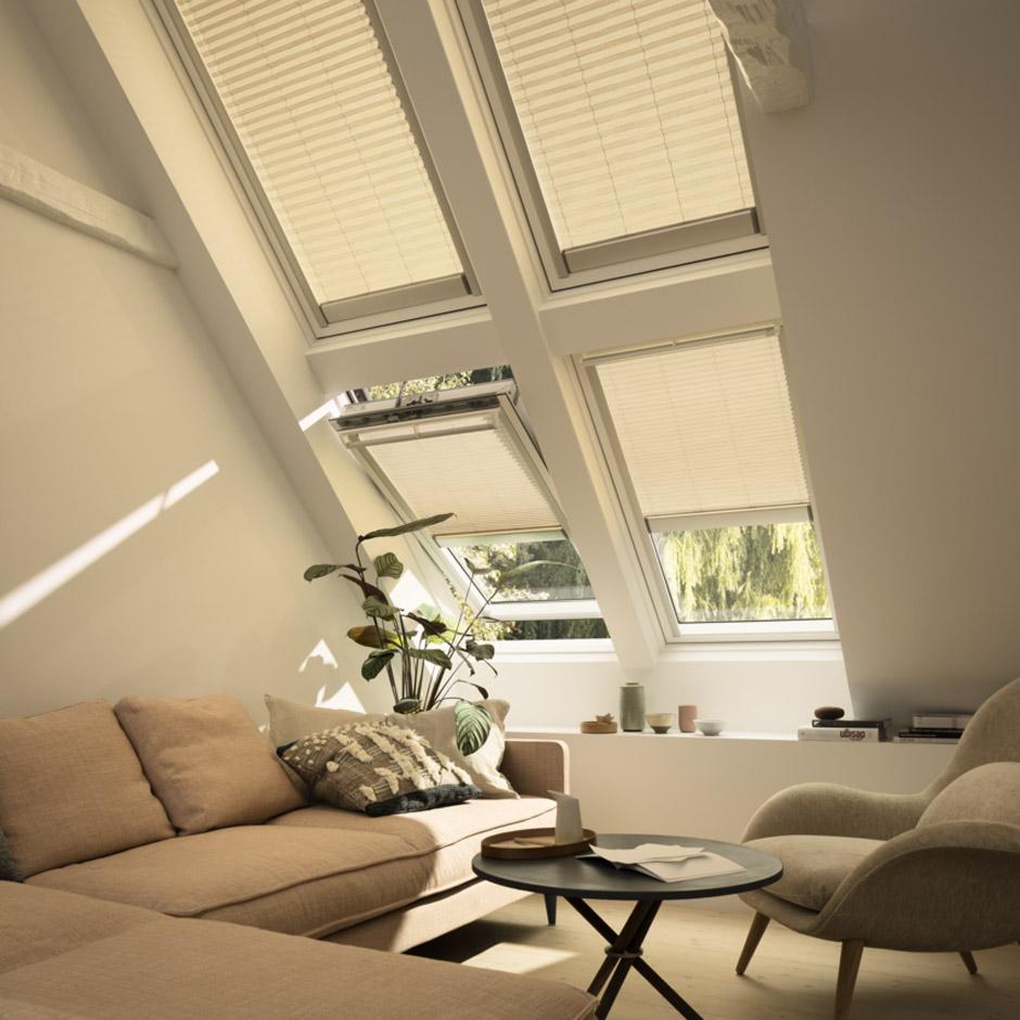 Finestre per tetti e tetti piani velux tende persiane for Tende per velux
