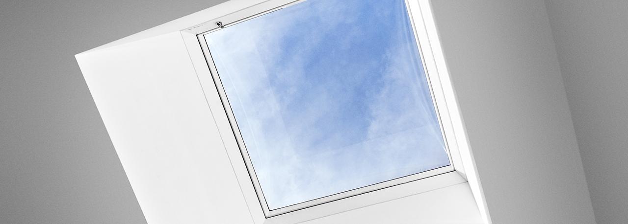 Uscita per artigiani per tetti piani velux accesso al tetto for Velux finestre assistenza