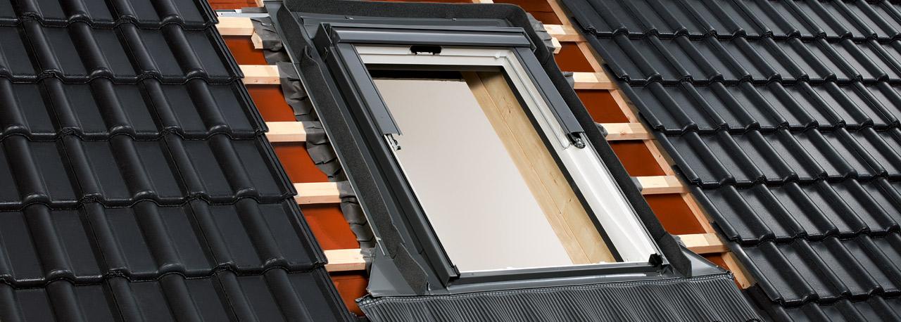 Dachfenster eindeckrahmen  Abdichtung von Dachfenstern mit Eindeckrahmen | VELUX