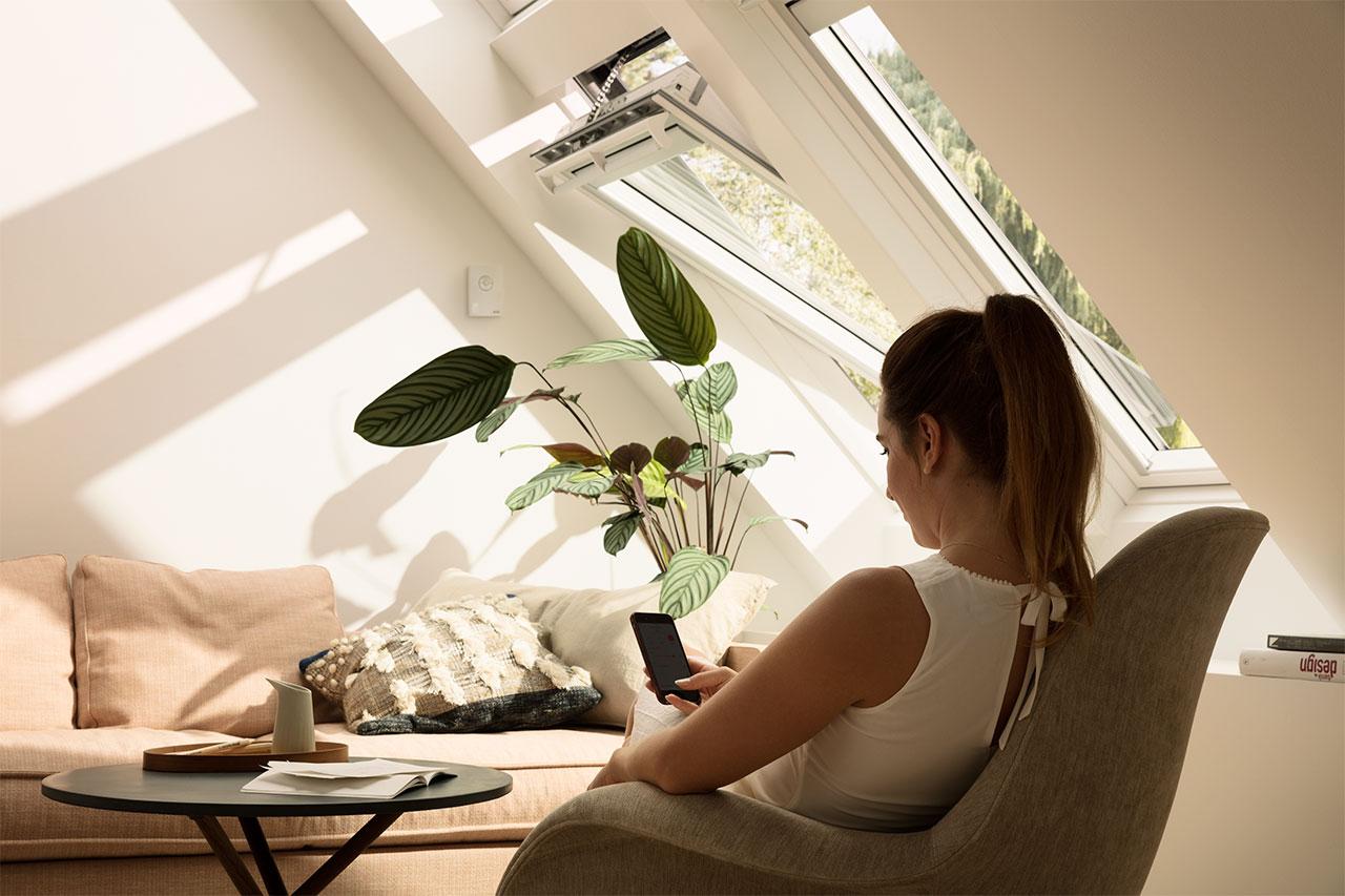 velux integra dachfenster solarfenster mit fernbedienung. Black Bedroom Furniture Sets. Home Design Ideas