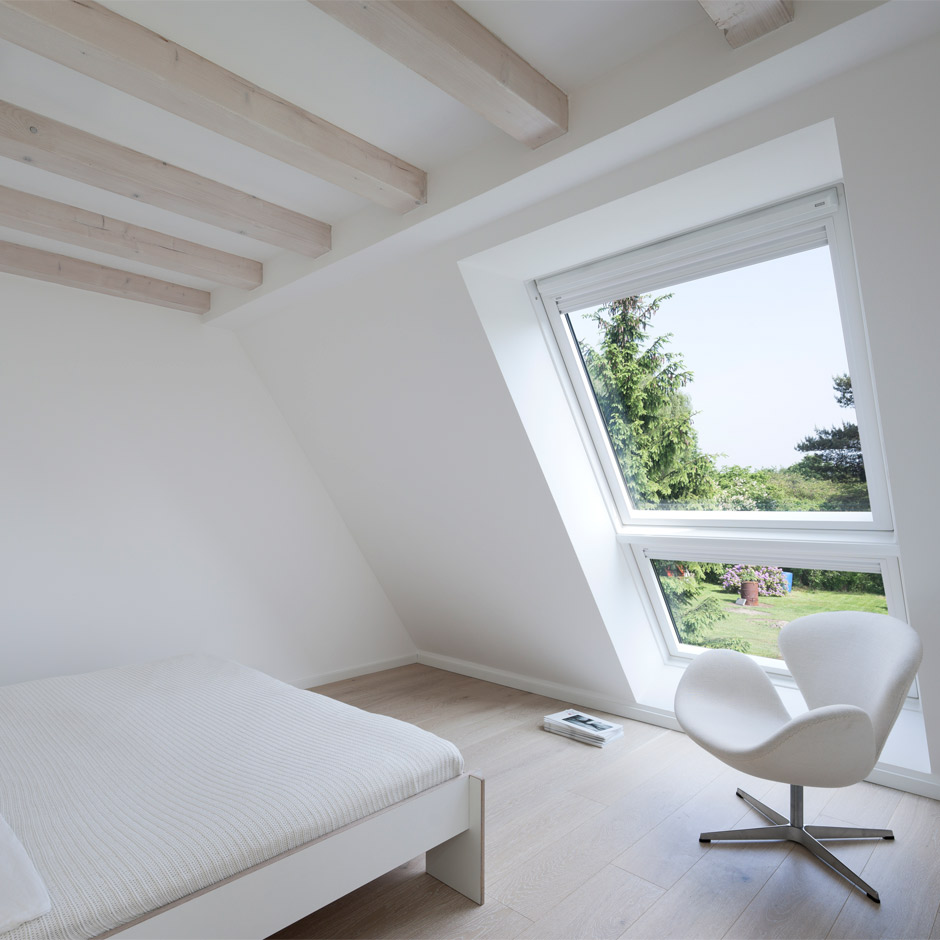 velux dachfenster gnstig cheap dachfenster velux mae olegoff velux dachfenster mae with velux. Black Bedroom Furniture Sets. Home Design Ideas