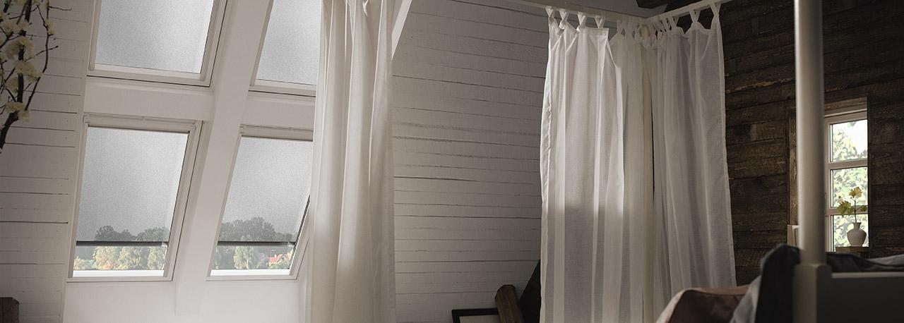 velux hitzeschutz markise f r dachfenster. Black Bedroom Furniture Sets. Home Design Ideas