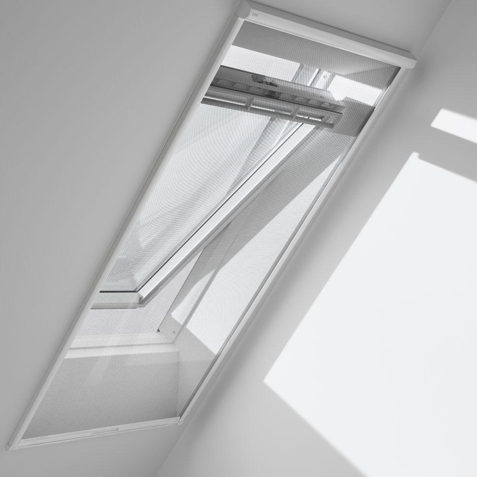hitzeschutz rollladen f r velux dachfenster. Black Bedroom Furniture Sets. Home Design Ideas