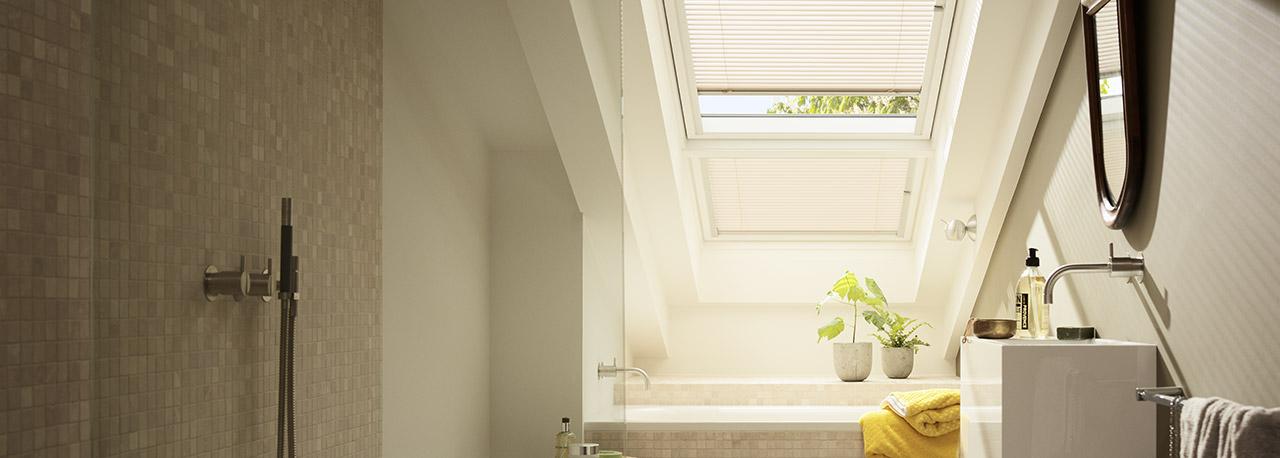 VELUX Dachfenster Jalousien (Jalousetten) - Licht und Schatten genau ...