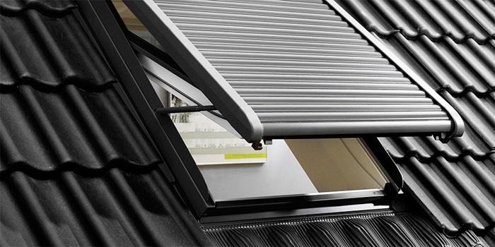 Relativ VELUX Dachfenster Rolladen - Ihr Rundum-Schutz fürs ganze Jahr AB12