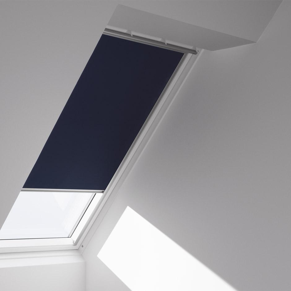 Oscurit a qualsiasi ora sotto le finestre per tetti velux for Velux assistenza