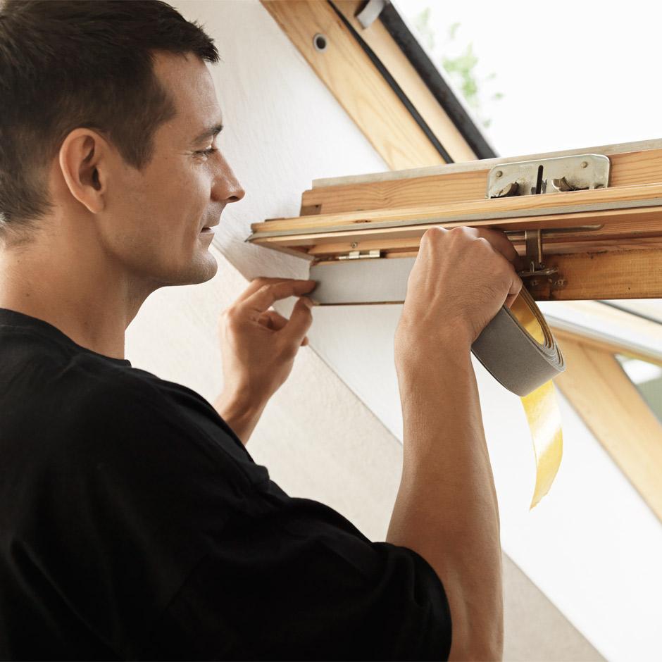 Finestre per tetti e tetti piani velux tende persiane for Velux assistenza