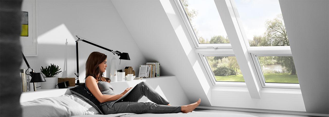 velux ovenlysvinduer ovenlyskupler fladtagsvinduer lystunneller og ovenlysgardiner til velux. Black Bedroom Furniture Sets. Home Design Ideas
