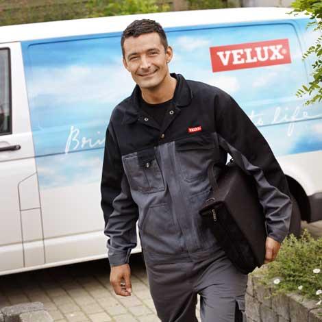 Come acquistare le finestre per tetti tende e accessori velux for Velux installatori