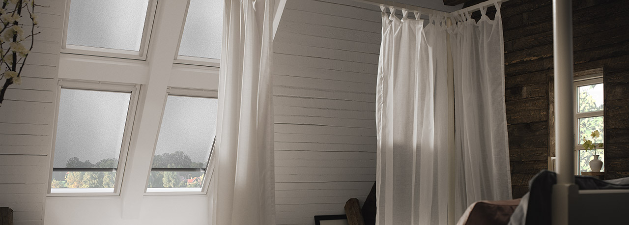 VELUX Awning Blinds   Effective Heat Protection