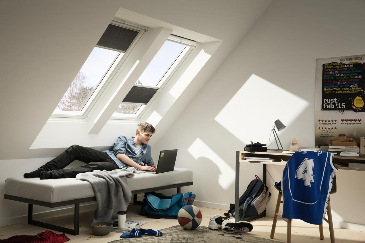 velux energierollos w rmed mmung und sichtschutz in einem. Black Bedroom Furniture Sets. Home Design Ideas