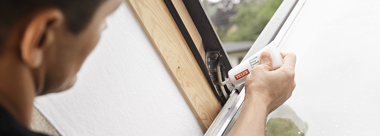 Servicing and maintaining your velux skylights for Cleaning velux skylights