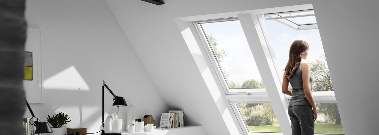 Fen tres de toit ouverture par projection velux avec vue for Finestre velux gpl