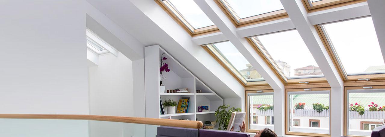Fen tres de toit ouverture par projection velux avec vue for Grandeur de fenetre