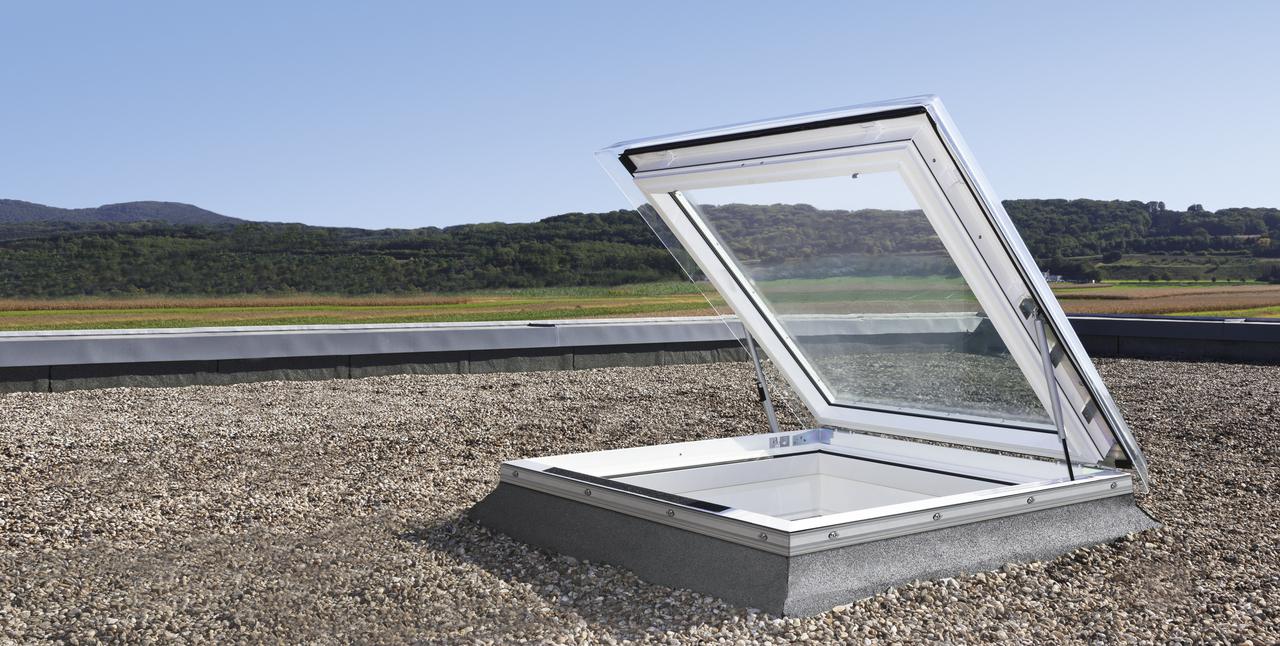 Velux fen tre pour toit plat acc s toiture for Fenetre de toit terrasse