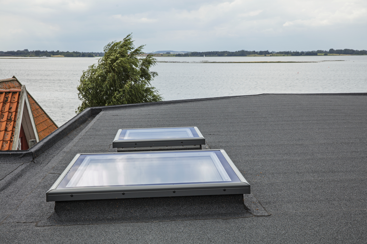 Velux flat glass rooflight ideal for flat roof buildings for Velux glass