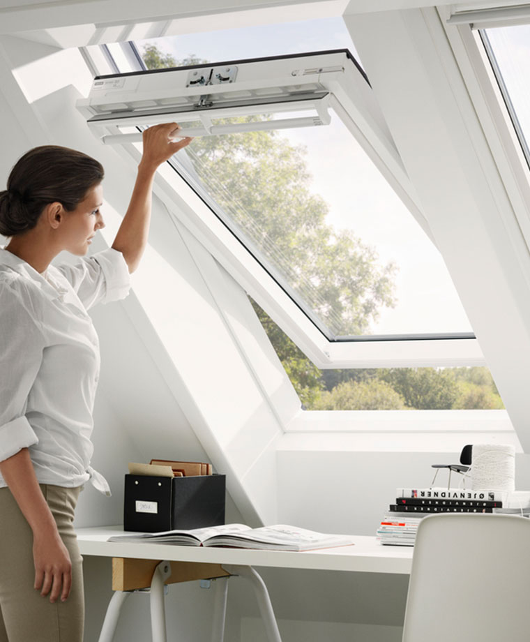velux centre pivot roof windows easy to open easy to use. Black Bedroom Furniture Sets. Home Design Ideas