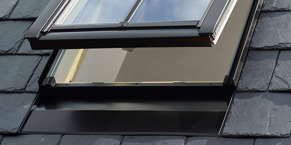 velux fen tre de toit classico avec profil m dian. Black Bedroom Furniture Sets. Home Design Ideas