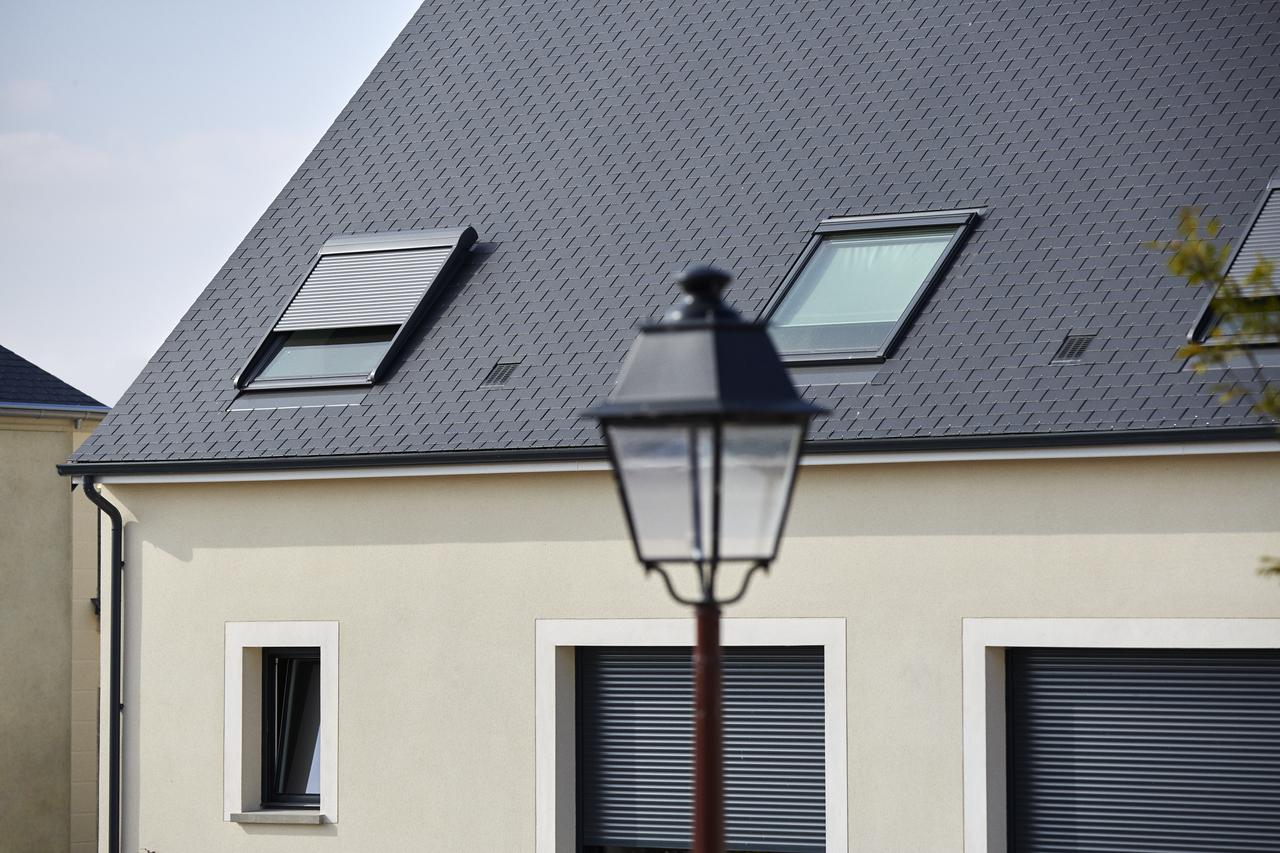 Plus adapté Volet roulant pour fenêtre de toit VELUX | VELUX France UW-96