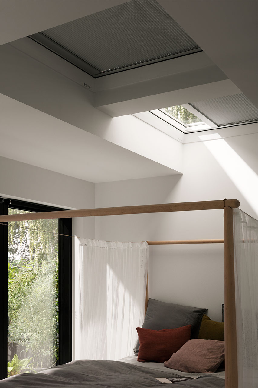 wabenplissees f r velux flachdach fenster. Black Bedroom Furniture Sets. Home Design Ideas